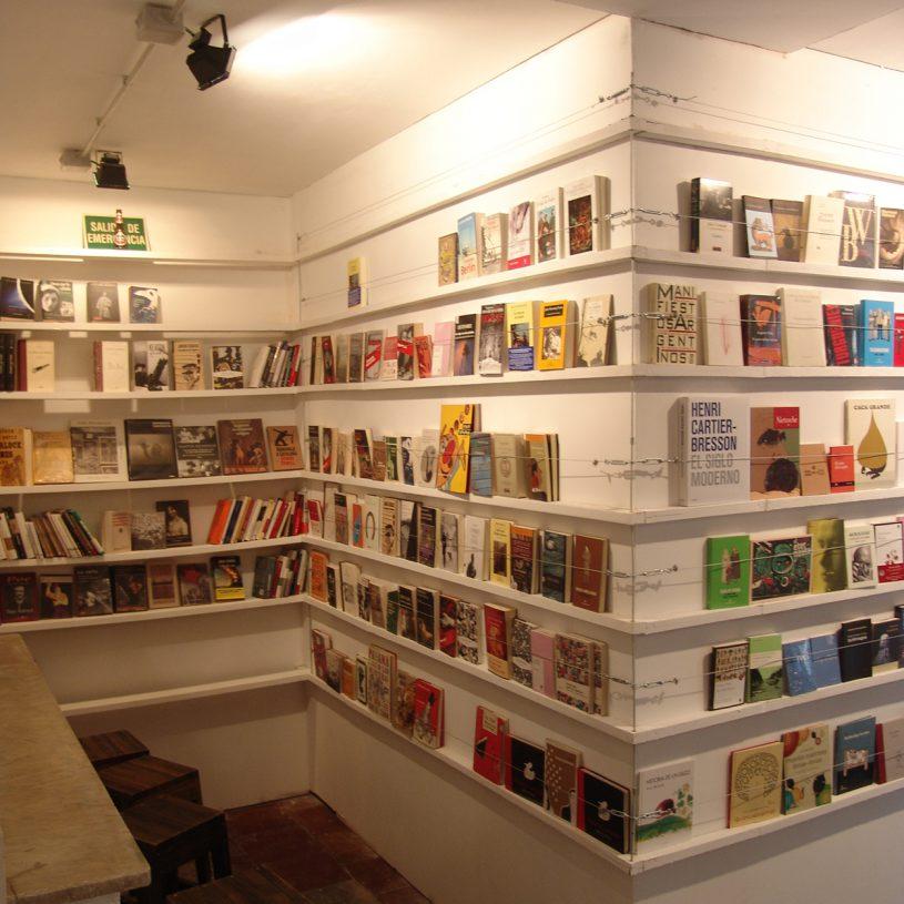 P201204 – Librería-Cafetería Slaughterhouse